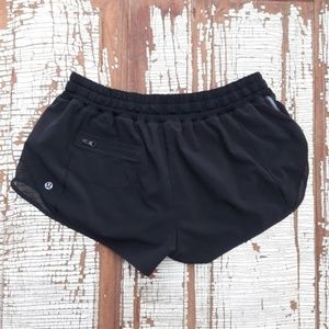 Lululemon Hotty Hot black shorts 10